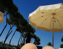Riflessi estivi: la piscina